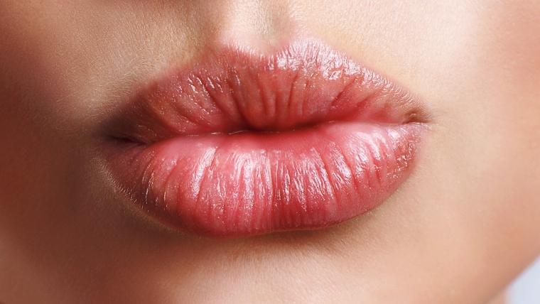 Perfilado y aumento de labios.